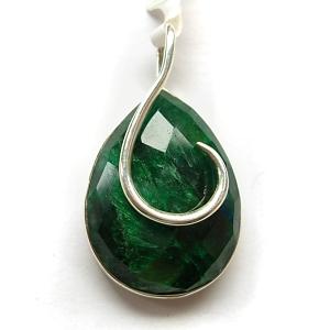 Sapphire quartz and sterling silver pendant